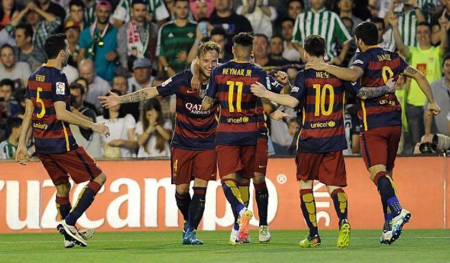 59afb2e819 El Barcelona derrota al Betis y avanza en el Campeonato Español