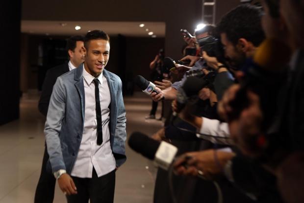 Neymar Jr. 15ec2ec6f78b9
