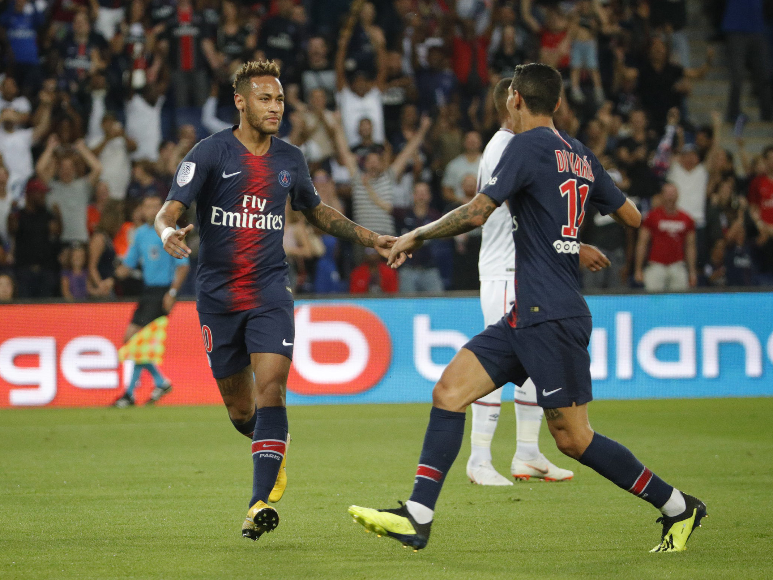 12d3f35a2e42 With Neymar Jr's goal PSG wins the Ligue 1 debut