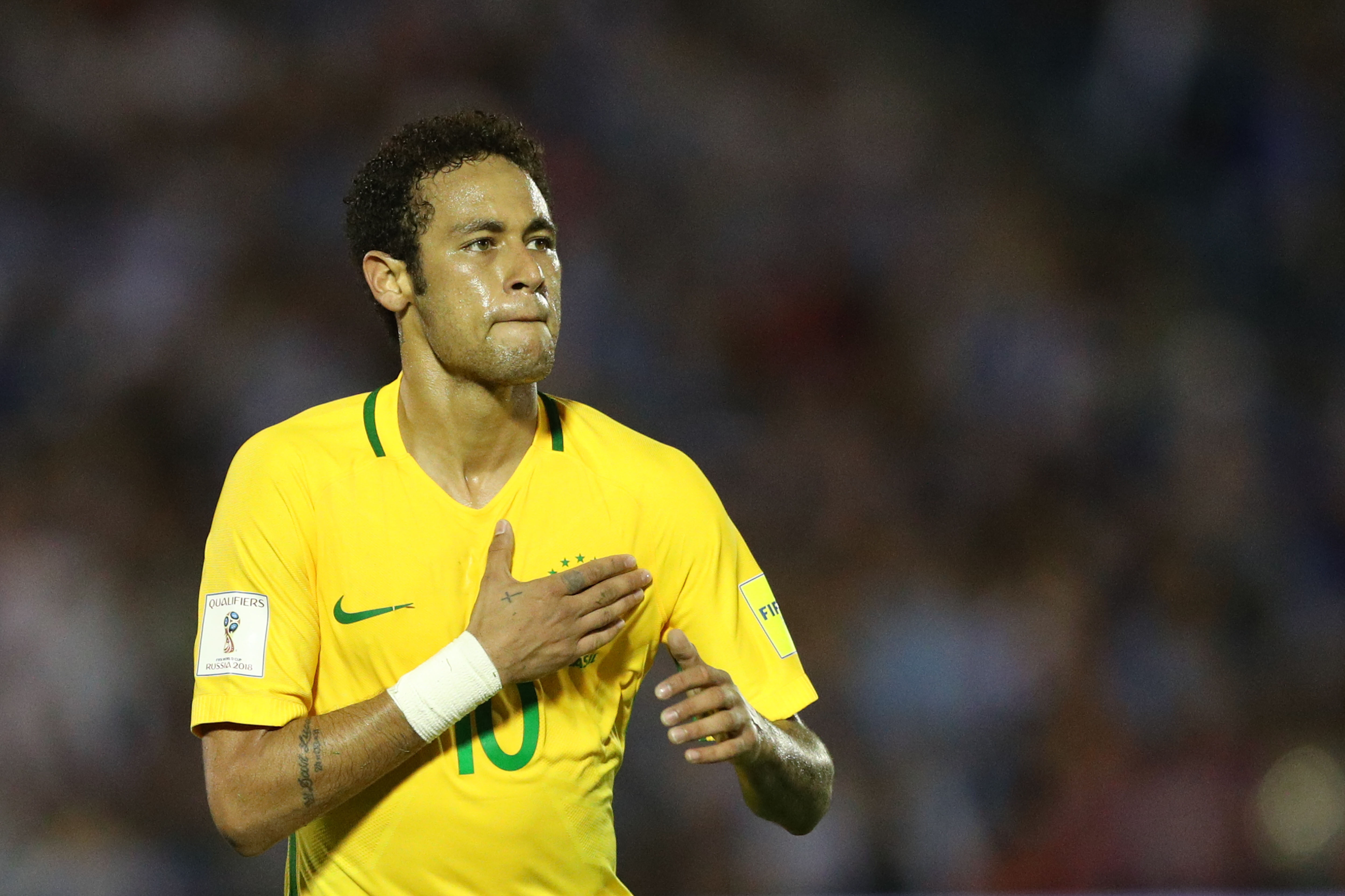 e6675fd3ad Seleção Brasileira faz quatro e derrota o Uruguai no Centenário