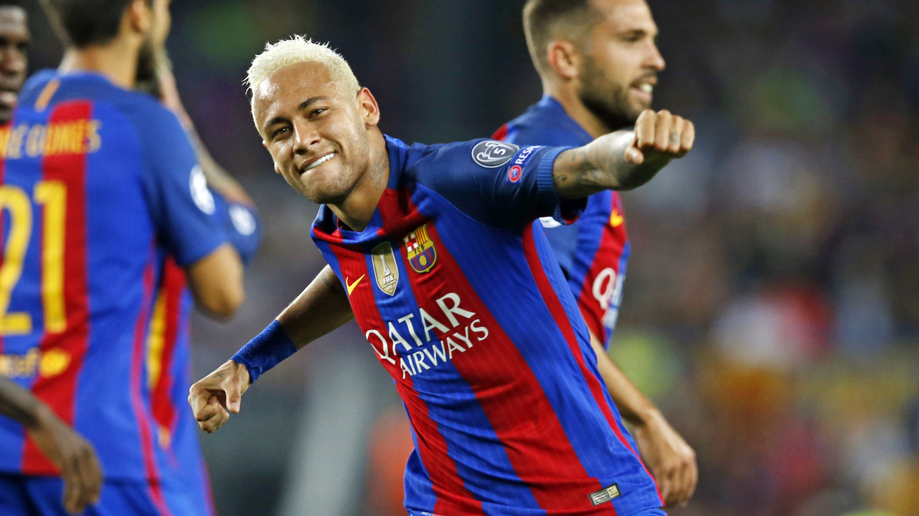 Neymar Jr comemora gol marcado contra o Celtic-ESC, na 1ª rodada da Champions League
