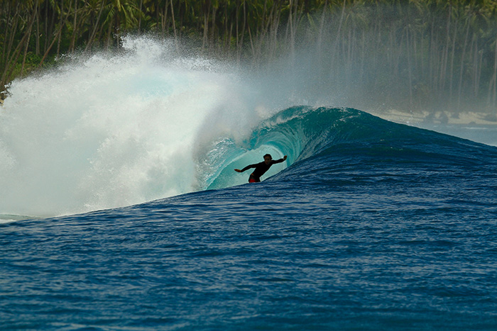 Facas - North Sumatra. Foto: Surfing Village.