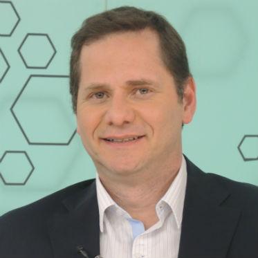 foto do rosto do analista Bob Faria