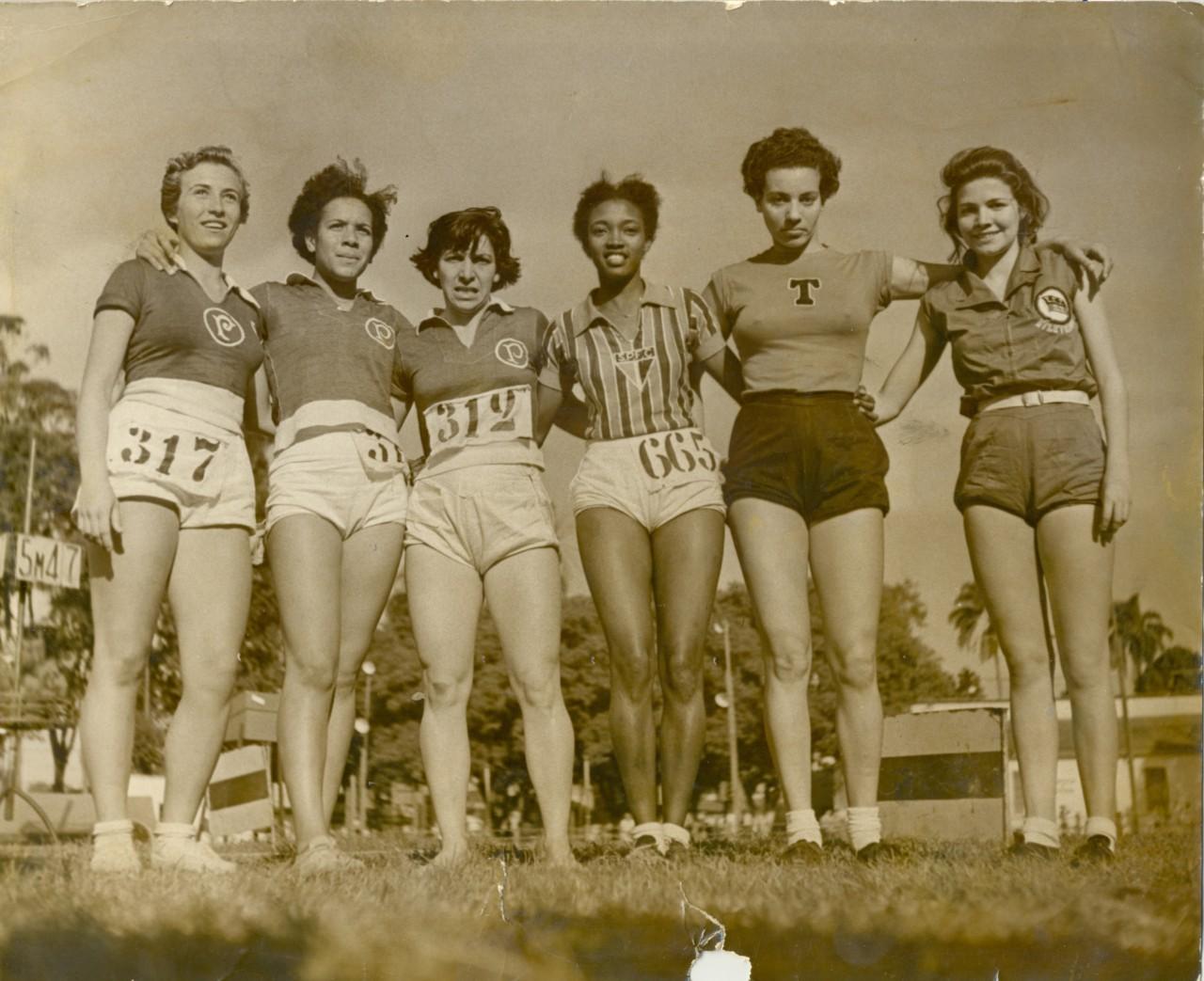 Luci, Dani, Benedita, Melânia, Marlene e Georgina: atletas da elite paulistana na década de 1940 - Acervo SPFC
