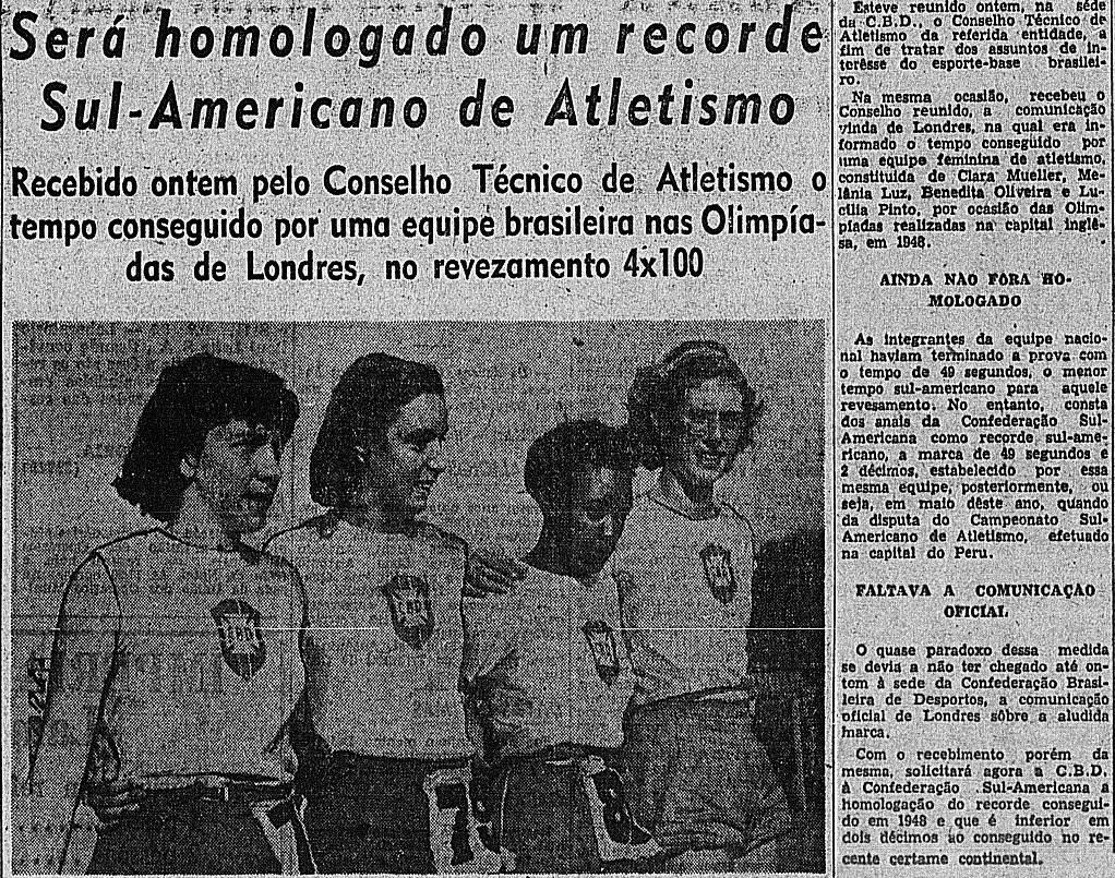 A homologação do recorde sul-americano conquistado nos Jogos de Londres veio em 49: na foto estão Benedita, Lucilia, Melânia e Clara (esq. p/ dir.) - Correio da Manhã / Arquivo da Biblioteca Nacional