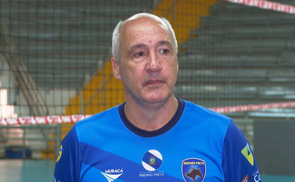 Renomado no vôlei, Marcos Pacheco é o técnico do time de Ribeirão Preto - Ribeirão Preto