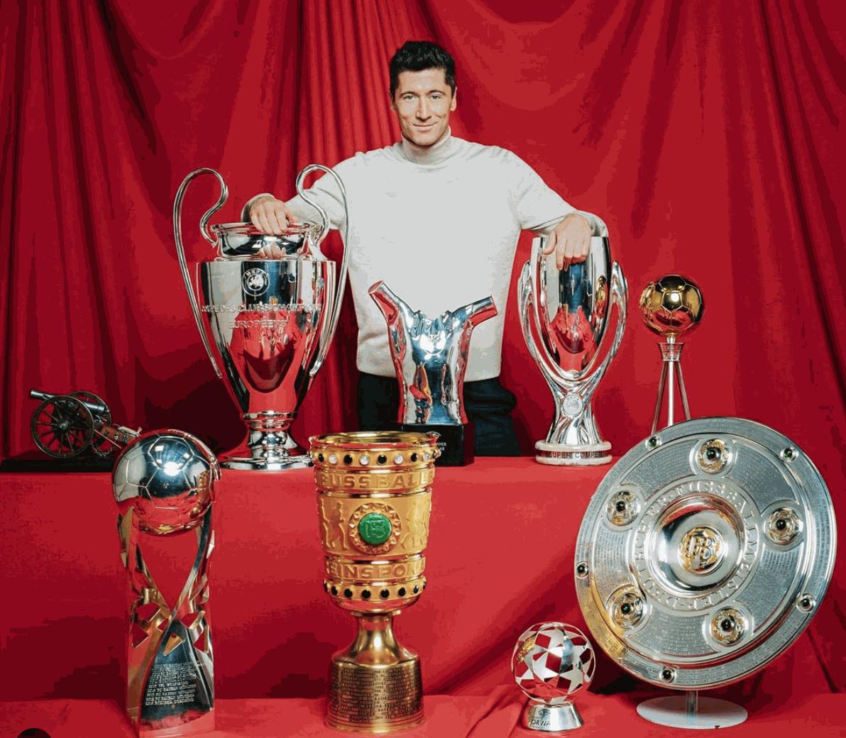 Lewandowski e os troféus individuais e coletivos de 2020 - Divulgação / Bayern de Munique