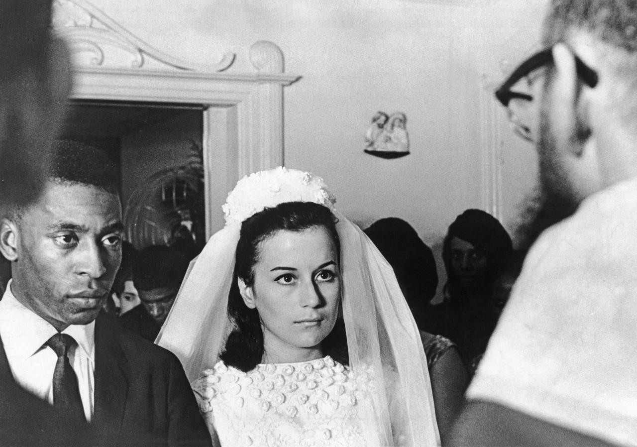 Pelé casa com Rosemeri Cholbi, mãe de Edinho, em 1966 - Arquivo/Agência Estado