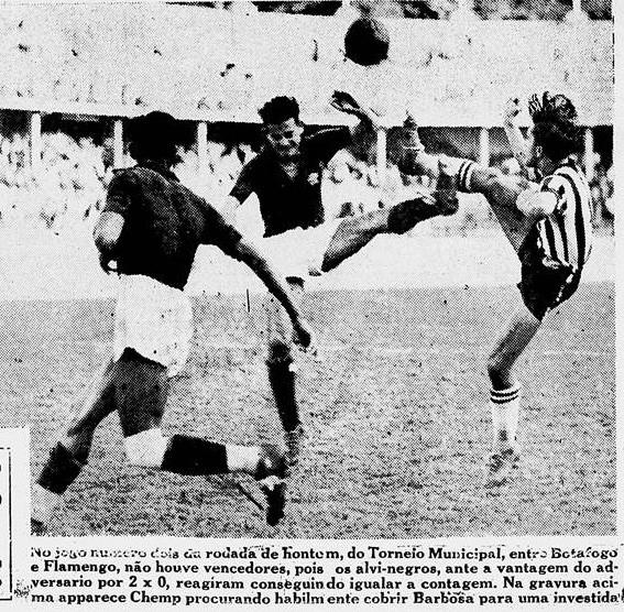 Chemp em ação pelo Botafogo em 1938; Lembrar dos jogos era uma das conversas preferidas de Chemp - Reprodução/Diario da Noite-RJ