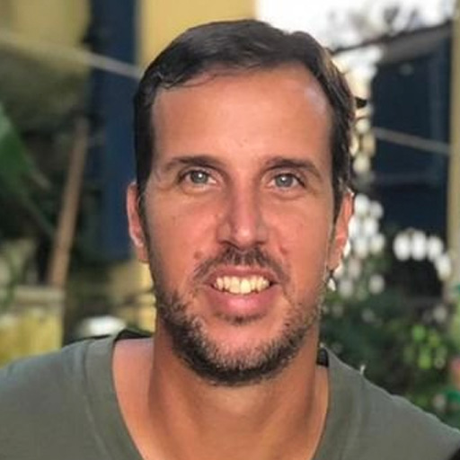 foto do rosto do analista Marcelinho