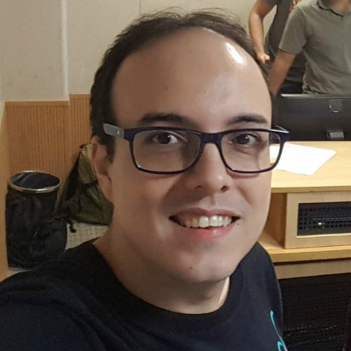 foto do rosto do analista Rodrigo Alves