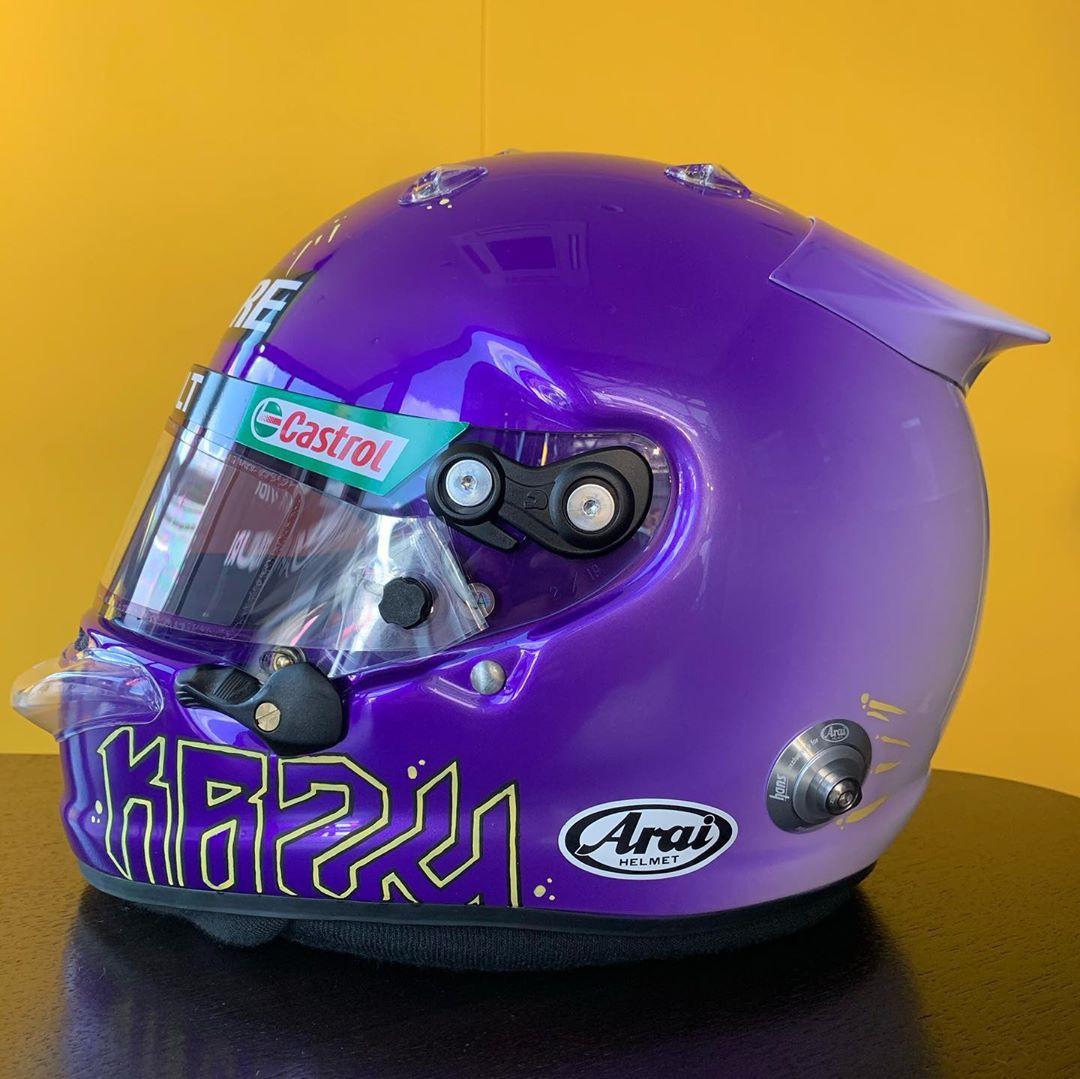 Ricciardo homenageou Kobe com a pintura de seu capacete - Reprodução