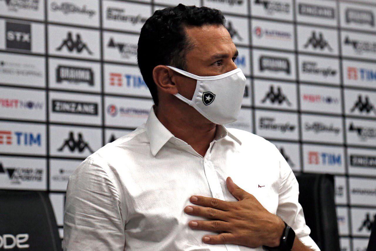 Tulio Lustosa chegou ao Botafogo em outubro e não conseguiu contratar o treinador desejado após a saída de Lazaroni - Vitor Silva/Botafogo