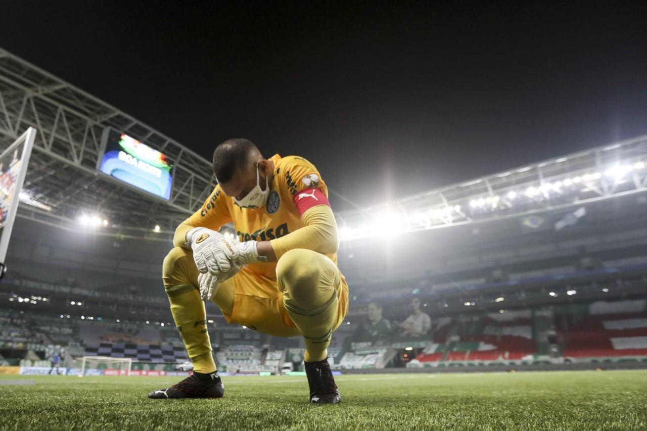 Weverton, exausto, após classificação do Palmeiras contra o River Plate - Staff Images/Conmebol