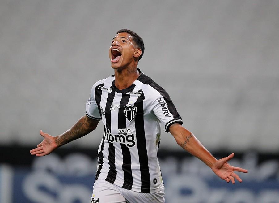 Marrony comemora gol pelo Atlético-MG: mais um nome na lista de jogadores que o Vasco perdeu para o mercado interno - Pedro Souza