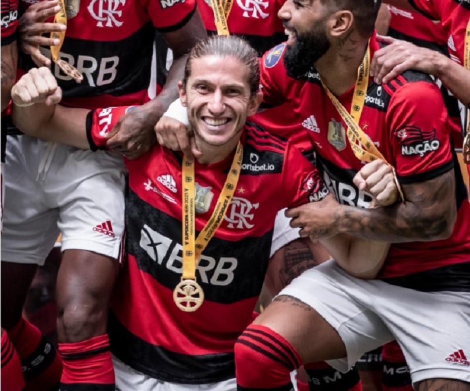 Filipe Luís Flamengo - Pedro Martins / Foto FC