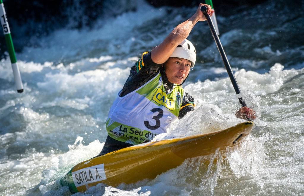Ana Satila competiu duas etapas da Copa do Mundo no fim de 2020 - Thomas Lohnes / Getty Images