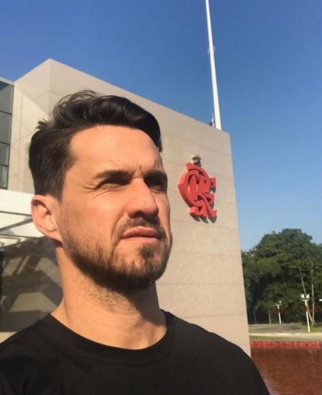 Autor de cinco gols em quatro duelos, Sávio ídolo do Flamengo e carrasco do Vélez