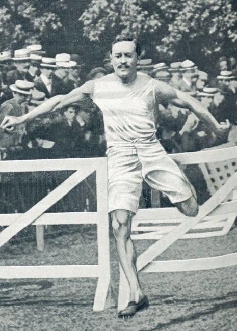 Adolphe Klingelhoefer em prova no início do século 20 - Reprodução