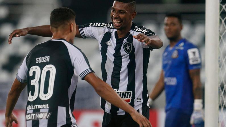Kanu adota Sousa no Botafogo - Vitor Silva/Botafogo