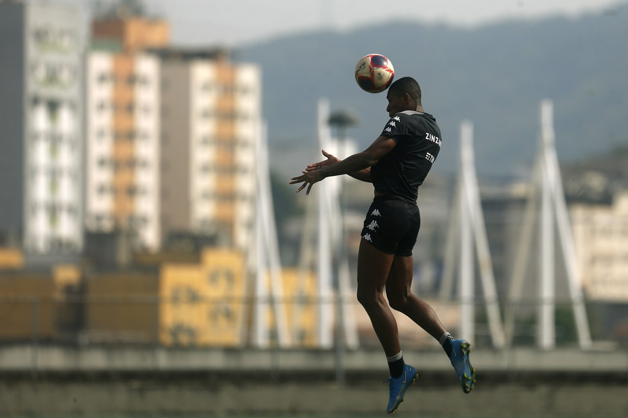 Kanu, zagueiro do Botafogo - Vitor Silva/Botafogo