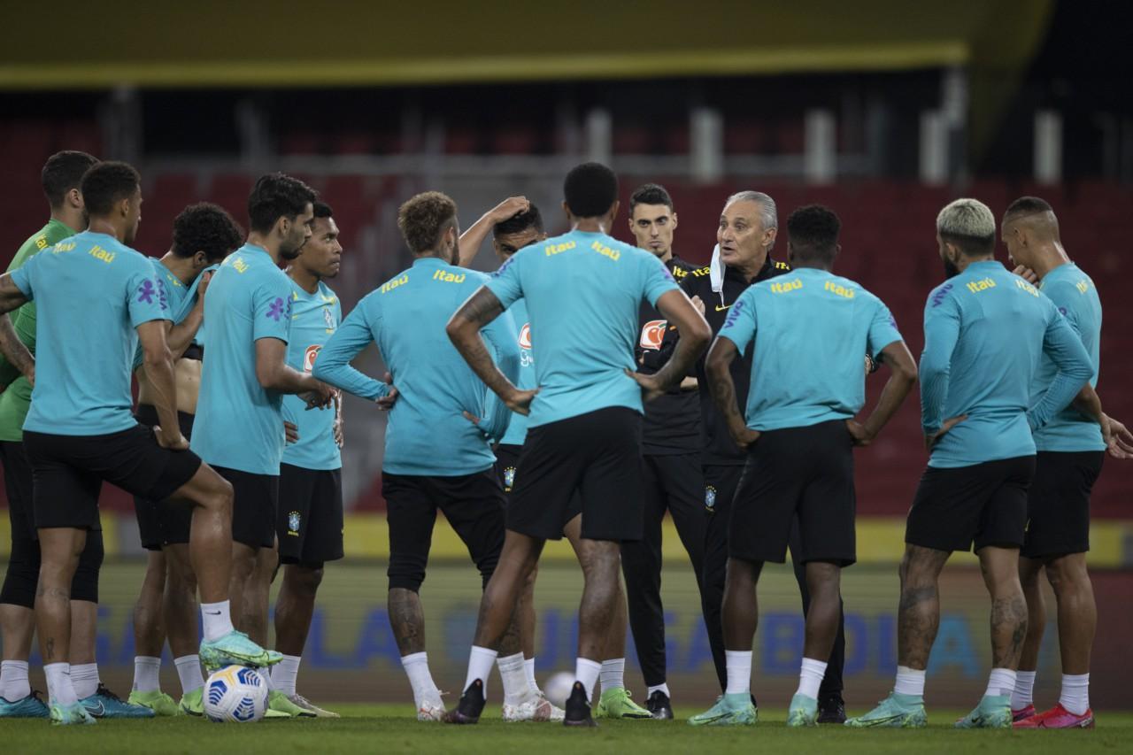 Tite conversa com o grupo: Seleção ficou sabendo pelas redes sociais que a Copa América seria no Brasil - Lucas Figueiredo/CBF