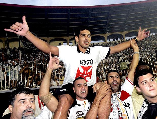Diego Souza, protagonista daquele título, dormiu no volante ao voltar da festa do Vasco - André Durão