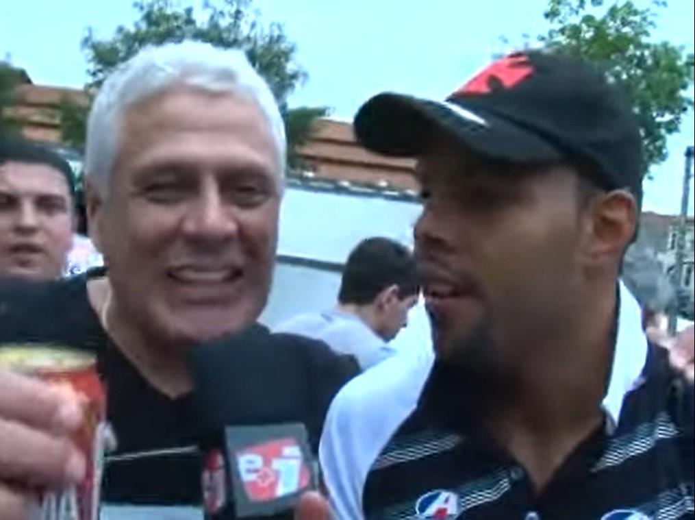 Alecsandro entrevista Roberto Dinamite durante comemoração do Vasco - Reprodução/Esporte Interativo