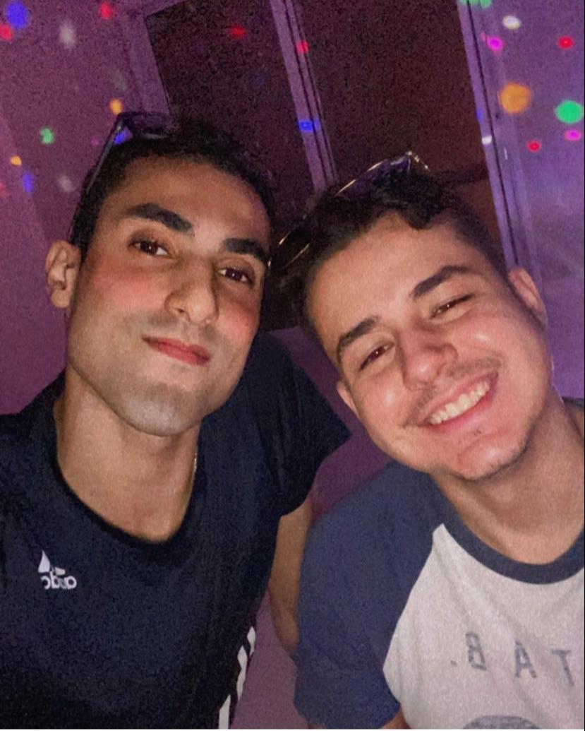 Douglas Souza com o namorado, Gabriel - Reprodução