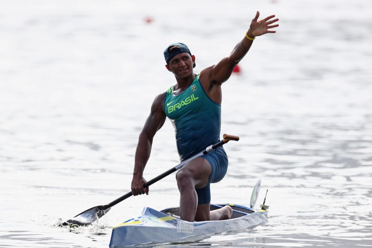 Isaquias Queiroz vai buscar duas medalhas - Phil Walter/Getty Images