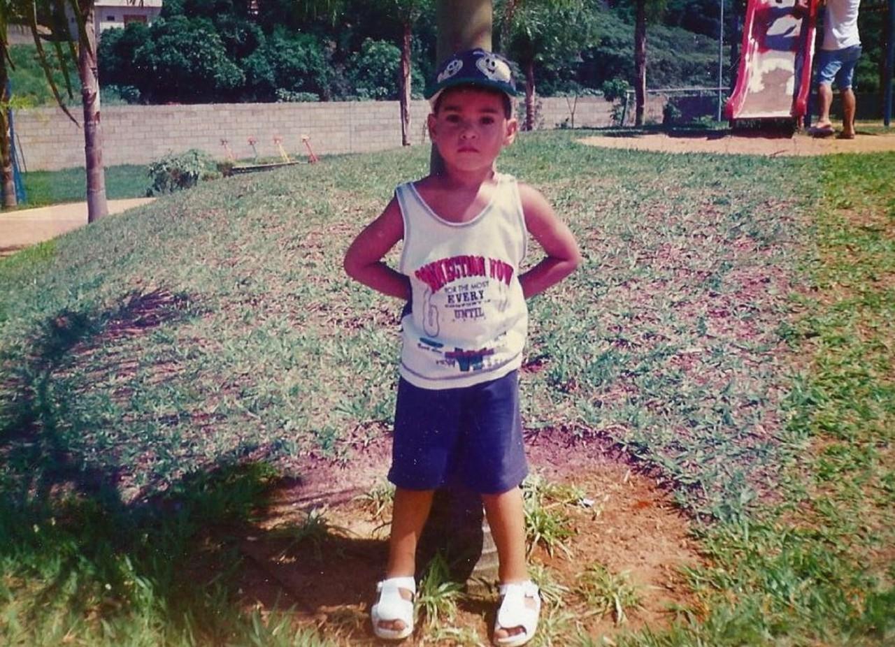 Douglas Souza na infância - Arquivo pessoal