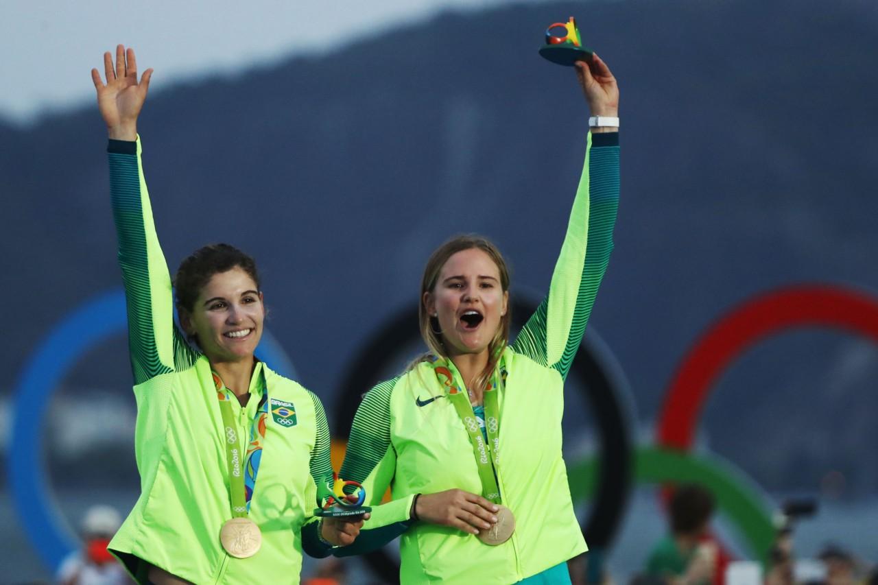 Martine Grael e Kahena Kunze defenderão o título - Clive Mason/Getty Images