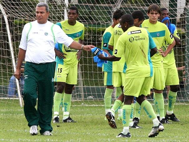 Hélio no Goiás, em 2009 - Divulgação/Goiás