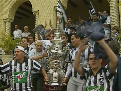 Torcida do Botafogo comemora o título do Teresa Herrera em General Severiano - Reprodução