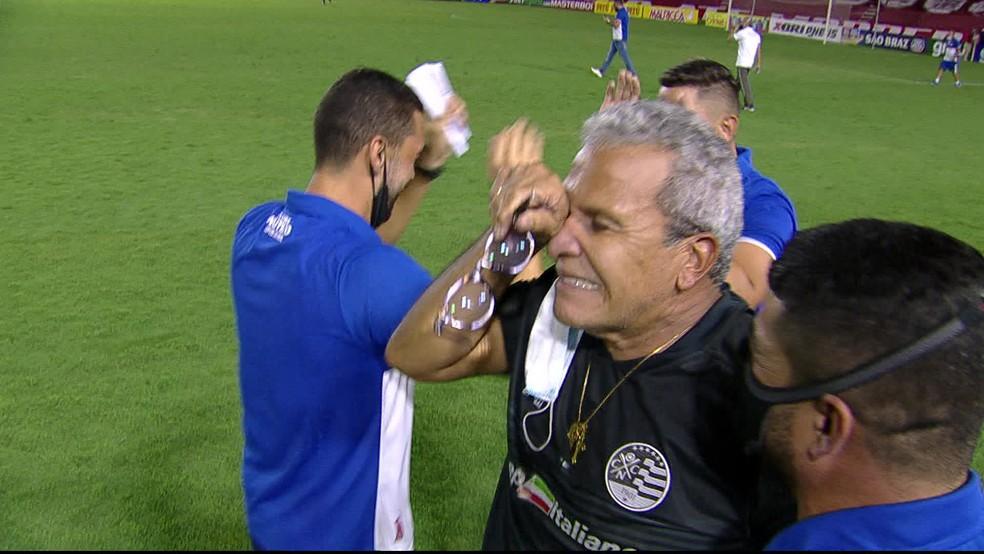 Hélio chora com título pernambucano de 2021 - Reprodução/TV Globo