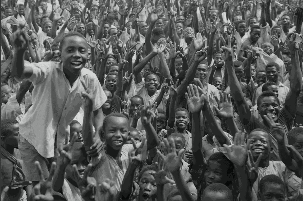População da Nigéria comemora a independência do país, em 1960 - Getty Images