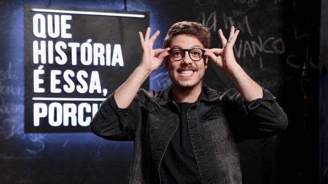 Programa apresentado por Fábio Porchat, sucesso no GNT, reúne anônimos e famosos com o objetivo de revelar suas histórias mais inusitadas.
