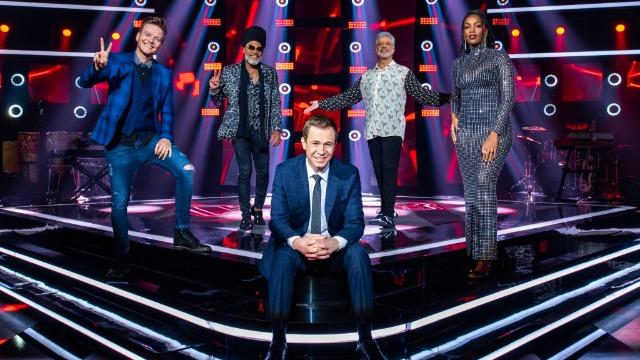 Nona temporada do reality The Voice Brasil. Com Carlinhos Brown, IZA, Lulu Santos e Michel Teló. Apresentação de Tiago Leifert.