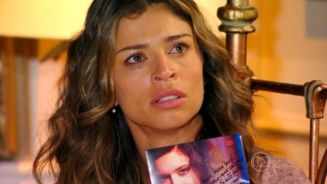 Ester fica chocada com mensagem de outra mulher a Cassiano