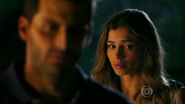 Ester briga com Cassiano por causa de Cristal: 'Você mentiu pra mim!'