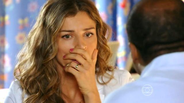 Quirino revela a Ester que Alberto é o culpado por colocar sal no lugar dos diamantes
