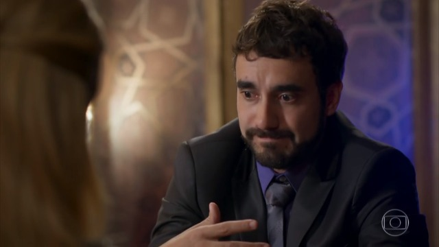 Leozinho diz a Fedora que não pode se casar com ela