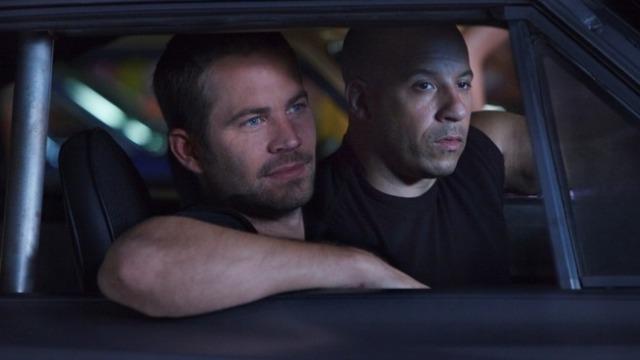 Dom e Brian continuam fugindo da polícia, e desta vez, se escondem no Rio de Janeiro. Eles terão que realizar uma última missão na cidade e, para isso, vão reunir uma equipe de super pilotos.