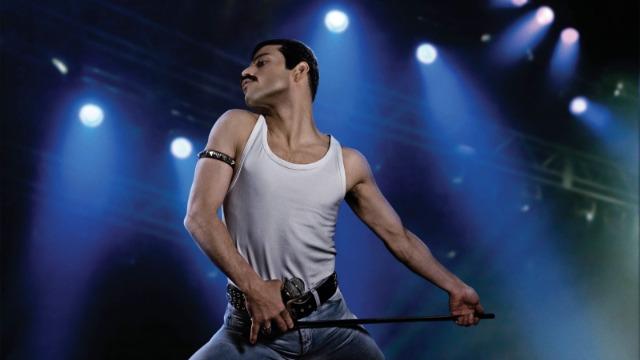 Freddie Mercury e seus companheiros Brian May, Roger Taylor e John Deacon mudam o mundo da música para sempre ao formar a banda Queen, durante a década de 1970. Porém, quando o estilo de vida extravagante de Mercury começa a sair do controle, a banda tem que enfrentar o desafio de conciliar a fama e o sucesso com suas vidas pessoais cada vez mais complicadas.