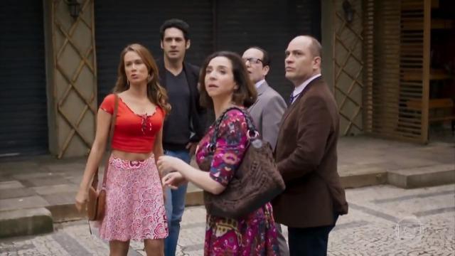 Tancinha e Francesca contam com Beto e Rodrigo para abrir cantina em frente ao Grand Bazzar