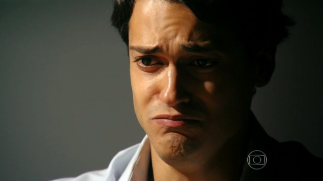 Hélio chora com pedido de Samuel