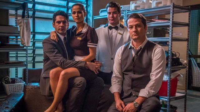 Malagueta, Júlio, Sandra Helena e Agnaldo fazem suas partes no roubo do cofre.