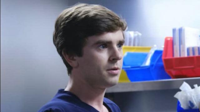 Marcus questiona se Shaun está pronto para fazer sua primeira cirurgia. Dr. Shaun realiza sua primeira cirurgia sozinho. Neil discorda de Audrey durante um procedimento arriscado.