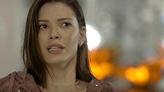 Kyra e Alan são sequestrados no Rio de Janeiro. Os dois estão na cidade para que o advogado possa acompanhar Petra em uma festa