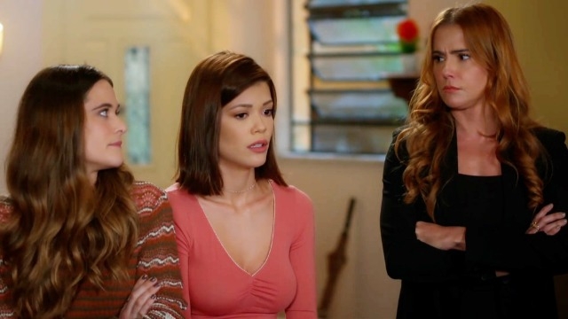 Alexia, Kyra e Luna terão que trocar de identidades mais uma vez